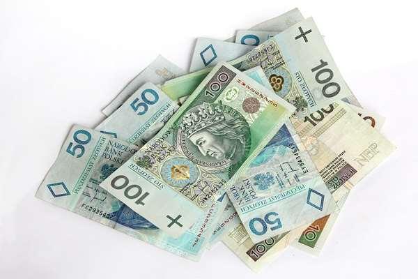 Pożyczki bez bik w Cieszyn  wyślij sms WNIOSEK na nr 7257    ( 1szt/2,46)